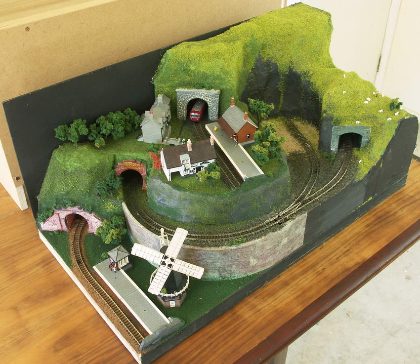 Sea quarry n scale model train layout - N scale train layouts small spaces paint ...